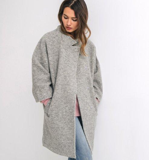 Manteaux & Vestes - Femme Point final à votre tenue, nos manteaux et vestes vous protègent des intempéries tout en vous donnant de l'allure. Veste en jean pour un look moderne et décontracté, trench intemporel pour plus d'élégance ou encore doudoune ultra légère pour contrer le froid.