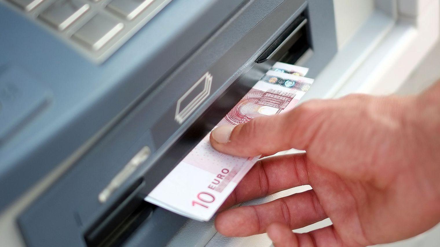 Tarif bancaire, chez qui faut-il aller signer ?